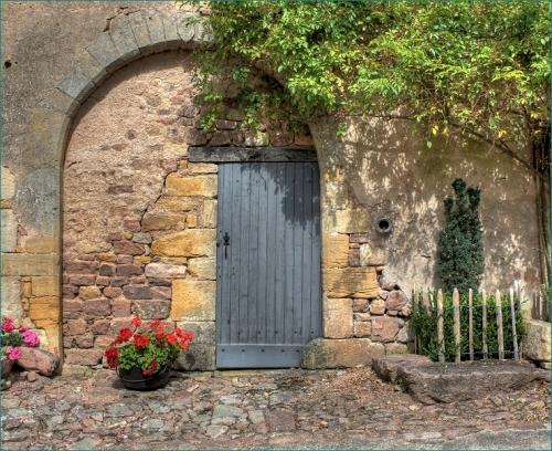 Le Village Bois-Sainte-Marie