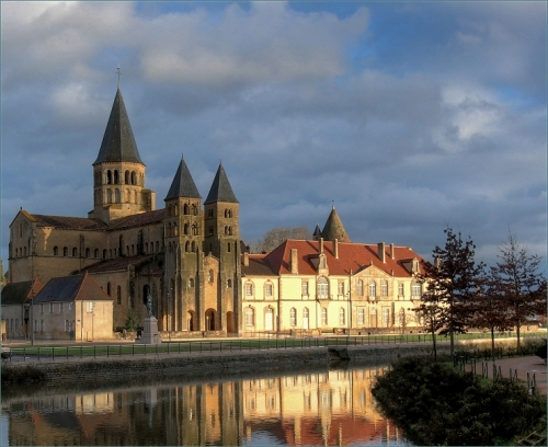 La basilique romane de Paray-le-Monial