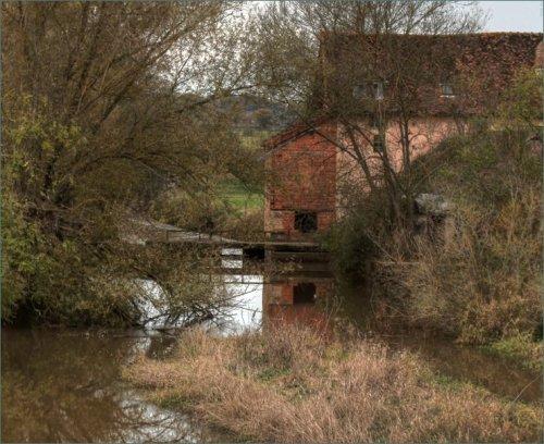 oude-watermolen-anzy-le-duc
