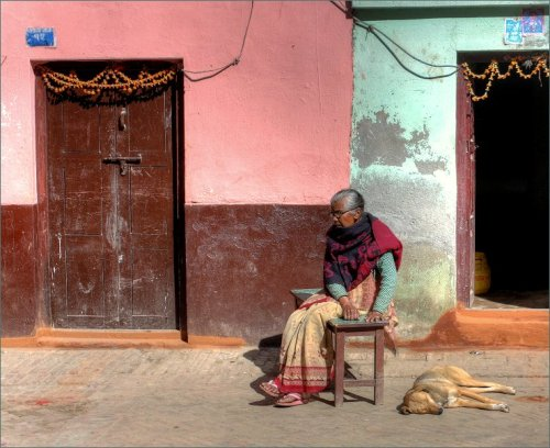 handenvrouw-in-thimi-kathmandu-2012